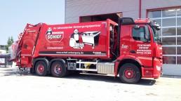 pixelclinic-Fahrzeugbeschriftung-Container-Schief-Winnenden-2