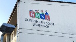 pixelclinic-Aussenwerbung-Werbetafel-Profilbuchstaben-Schule-Winnenden-Leutenbach
