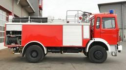 pixelclinic-Fahrzeugbeschriftung-Vollverklebung-Carwrapping-Folierung-Feuerwehrwagen-Schief-Winnenden-4