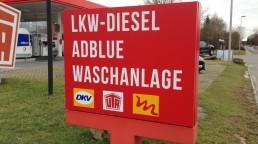 pixelclinic-Aussenwerbung-Montage-Beschriftung-Leuchtkasten-Lichtwerbung-Tankestelle-Autohaus-Moehle-Aspach