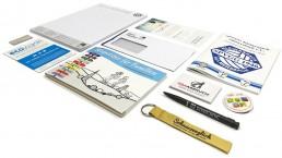 pixelclinic-printmedien-drucksachen-kataloge-flyer-visitenkarten-schluesselbaender-kugelschreiber-karten-mappen