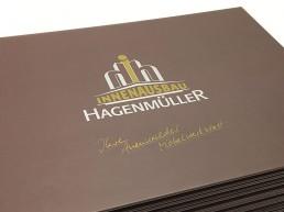 hagenmueller-innenausstattungen-schreinerei-firmenbuch-imagebuch-layout-printdesign-grafikdesign-druck-thumb